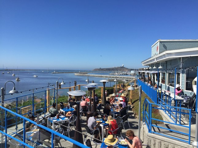 5 fab ways to play in Half Moon Bay includes Sam's Chowder House with outdoor patios and ocean view dining
